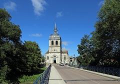 Eglise - Nederlands: Dienville (departement Aube, Frankrijk): de Sint-Quintinuskerk