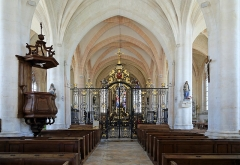Eglise - Nederlands: Dienville (departement Aube, Frankrijk): interieur van de Sint-Quintinuskerk