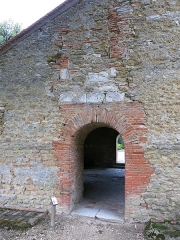 Eglise - English: Porch of the church of Mesnil-Saint-Père (Aube, France).