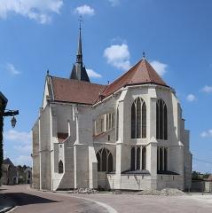 Eglise Saint-Pierre - Extérieur de l'église Saint-Pierre de Mussy-sur-Seine (10). Chevet.