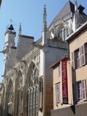 Eglise Saint-Jean - Vue d'ensemble depuis la rue Urbain IV.