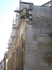Eglise Saint-Jean - Église Saint-Jean-du-Marché de Troyes (Aube, France): flanc nord-ouest, rue Molé