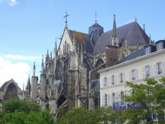 Eglise Saint-Urbain - Basilique Saint-Urbain de Troyes (Aube, France), vue depuis la place de la Libération