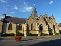 Eglise - English: Attigny (Ardennes) église Notre-Dame, vue du sud