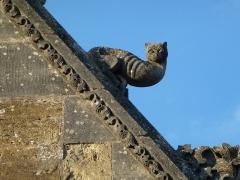 Eglise - English: Attigny (Ardennes) église Notre-Dame, sculpture sur un des pignons 03