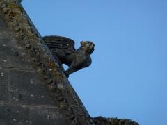 Eglise - English: Attigny (Ardennes) église Notre-Dame, sculpture sur un des pignons 04