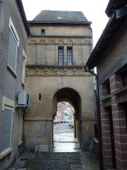 Palais de Charlemagne ou Dome - English: Attigny (Ardennes) Dôme de Charlemagne vue de l'ouest