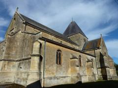Eglise - English:   Charbogne (Ardennes) église Saint-Rémi, vue latérale