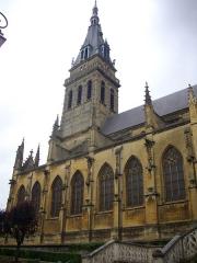 Basilique Notre-Dame de l'Espérance - Français:   Basilique Notre-Dame-d\'Espérance de Charleville-Mézières (Ardennes, France), clocher