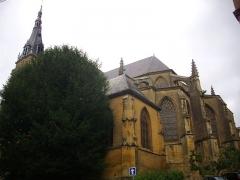 Basilique Notre-Dame de l'Espérance - Français:   Basilique Notre-Dame-d\'Espérance de Charleville-Mézières (Ardennes, France), chevet et sacristie