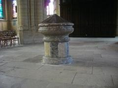 Basilique Notre-Dame de l'Espérance - Français:   Basilique Notre-Dame-d\'Espérance de Charleville-Mézières (Ardennes, France), fonts baptismaux