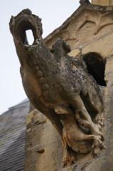 Eglise Saint-Lie de Mohon - Français:   Une gargouille avec deux animaux .