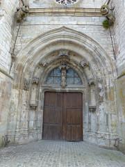 Eglise Saint-Thibault - English: Château-Porcien (Ardennes) église Saint-Thibault, porche