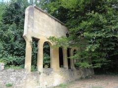 Abbaye de Sept-Fontaines - English: Fagnon (Ardennes) Abbaye Notre-Dame de Sept-Fontaines, vestige