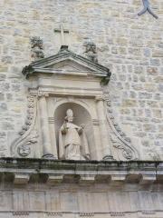 Eglise de Cliron - English: Église Saint-Martin de Cliron, statue au-dessus le portail