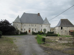 Château du Maippes - Français:   Ferme du Maipas - commune de Prez - Adernnes - France