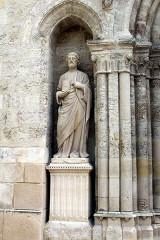Eglise Saint-Alpin - English: Châlons-en-Champagne, church Saint-Alpin, statue