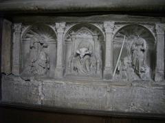 Eglise Saint-Alpin - Église Saint-Alpin de Châlons-en-Champagne (Marne, France), bas-relief avec Vierge à l'Enfant