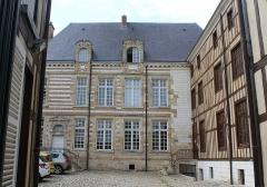 Hôtel - English: Châlons-en-Champagne, house 10 Rue de Chastillon