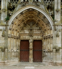 Eglise Notre-Dame - English: Main portal of Basilica Notre-Dame de l'Épine, France.
