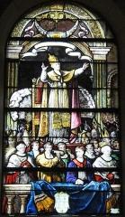 Eglise Notre-Dame-du-Soldat - Français:   vitrail de l\'église de Hans , le Pape don du marquis d\'Hugleville .