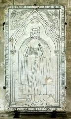 Cathédrale Notre-Dame - English: Tombstone of Hugues Libergier (* 1229; † 1263) in the Cathedral Notre-Dame in Reims, France.