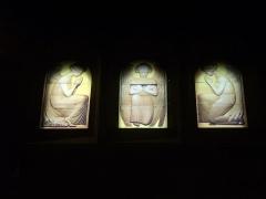 Eglise Saint-Nicaise - Intérieur de l'église Saint-Nicaise de Reims (Marne, France): vitraux en remplacement de ceux de Lalique, nord de la nef