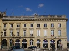 Immeuble - Français:   Immeuble, 13 place Royale à Reims (Marne, France)