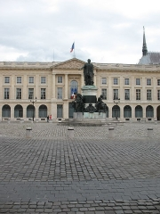 Place Royale - This building is indexed in the Base Mérimée, a database of architectural heritage maintained by the French Ministry of Culture,under the reference PA00078805 .