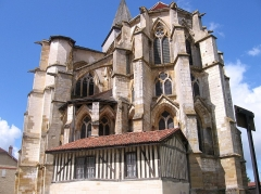 Eglise Saint-Amand - This building is classé au titre des monuments historiques de la France. It is indexed in the base Mérimée, a database of architectural heritage maintained by the French Ministry of Culture,under the reference PA00078837 .