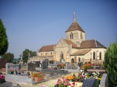 Château - Français:   Église Notre-Dame du Château de Sainte-Menehould (Marne, France) et cimetière