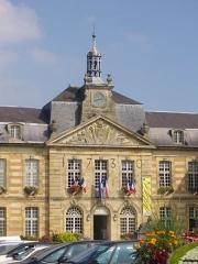 Hôtel de ville - Français:   Hôtel de ville de Sainte-Menehould (Marne, France)