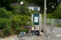 Aqueduc des Eaux de Rungis (également sur communes de Rungis, Fresnes, L'Hay-les-Roses, Arcueil, Gentilly et Paris 14) - English: Cachan, Val-de-Marne, France. Regard 11 from aqueduc Médicis.