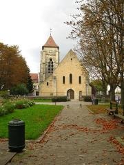 Eglise Sainte-Colombe - Français:   Vue extérieure de l\'église Sainte-Colombe de Chevilly-Larue