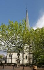 Eglise Saint-Saturnin - English: Gentilly, Val-de-Marne, France. Église Saint-Saturnin.