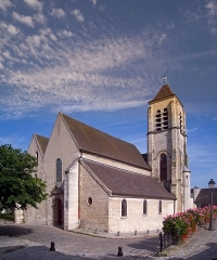 Eglise Saint-Pierre-Saint-Paul - English: Saint-Pierre-Saint-Paul Church, Ivry-sur-Seine, Val-de-Marne, France. Front view from the place de l'Église.