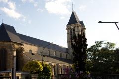 Eglise Saint-Cyr-Sainte-Julitte - Français:   St Cyr - ste Julitte-pignon nord