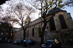 Eglise Saint-Cyr-Sainte-Julitte - Français:   St Cyr - ste Julitte-pignon sud
