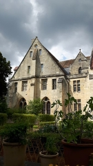 Abbaye de Royaumont - This building is indexed in the Base Mérimée, a database of architectural heritage maintained by the French Ministry of Culture,under the reference PA00079987 .