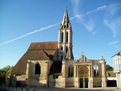 Eglise Saint-Christophe - Français:   Vue d\'ensemble depuis le nord.