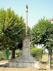 Croix de chemin - Français:   Vue depuis le sud.