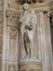 Eglise Saint-Martin - English: L'Isle-Adam, ange du portail de l'église.