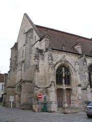 Eglise Saint-Justin et tour Saint-Rieul qui lui sert de clocher - English: Saint Justin Church, built from the 12th to the 16th century, in Louvres, Val d'Oise, France.