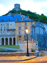 Château - This building is indexed in the Base Mérimée, a database of architectural heritage maintained by the French Ministry of Culture,under the reference PA00080181 .
