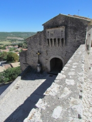 Portail féodal - English: Banon, the medieval city entrance