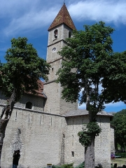 Eglise paroissiale Saint-Martin - Français:   Les remparts de Colmars et le clocher de l\'église. L\'église est adossée aux remparts, et fait partie du système de défense.