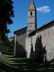 Eglise paroissiale Saint-Martin - Français:   Les remparts de Colmars et le clocher de l\'église. L\'église est adossée aux remparts, et fait partie du système de défense. Dans son état actuel, le clocher a été surélevé deux fois.
