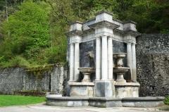 Fontaine monumentale - Deutsch: Brunnenanlage in Digne-les-Bains