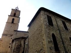 Eglise Saint-Sauveur - Français:   Arrière de l\'église Saint-Sauveur de Manosque