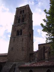 Eglise - Français:   Clocher de l\'église de Moustiers-Sainte-Marie